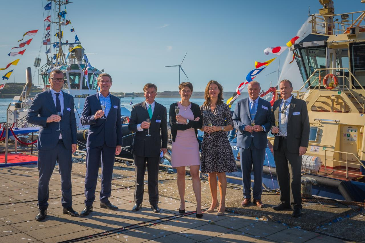 Namegiving ceremony of the tugs Venus and Svitzer Amstel